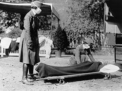 Nurses in 1918 Flu outbreak